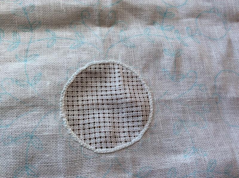 シュバルム刺繍とは