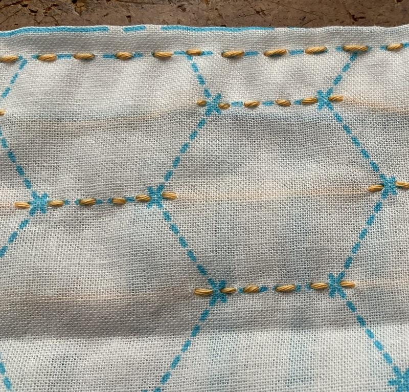 刺し子の布が固い